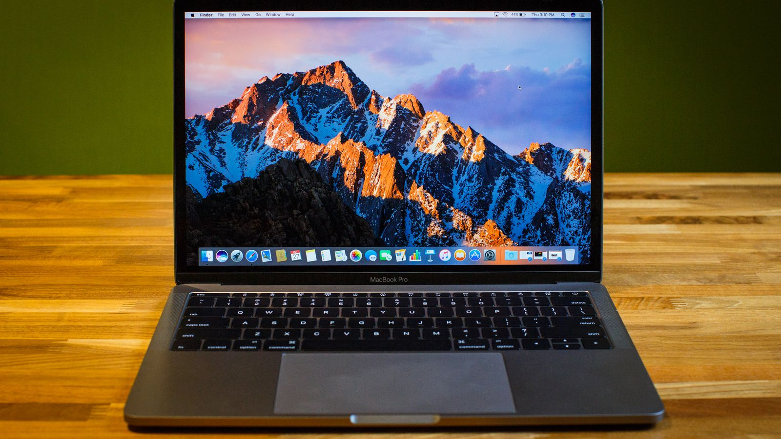 discount on apple macbook pro pre holiday